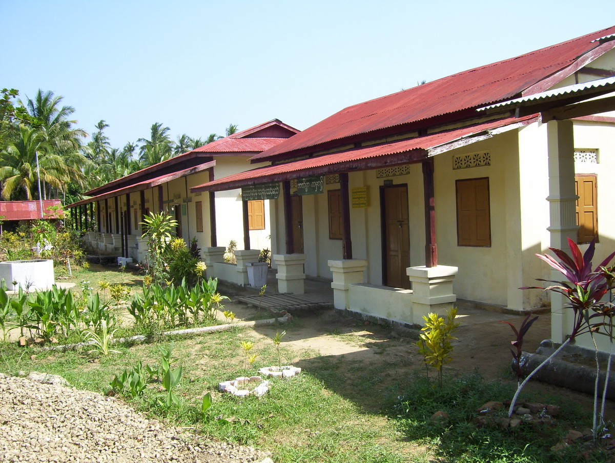 Build schools in Burma Myanmar - Building Primary school in Kanyen Kwen - Ayerwaddy Division - 100schools, UK registered charity