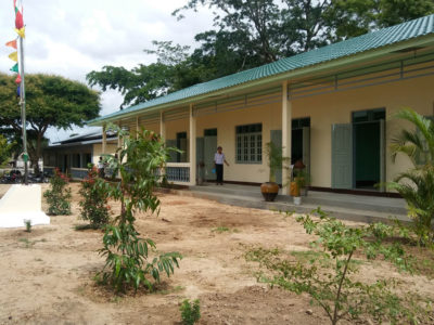 Building 100 schools in Burma Middle school in Ye Twin Kaung in Sagaing division