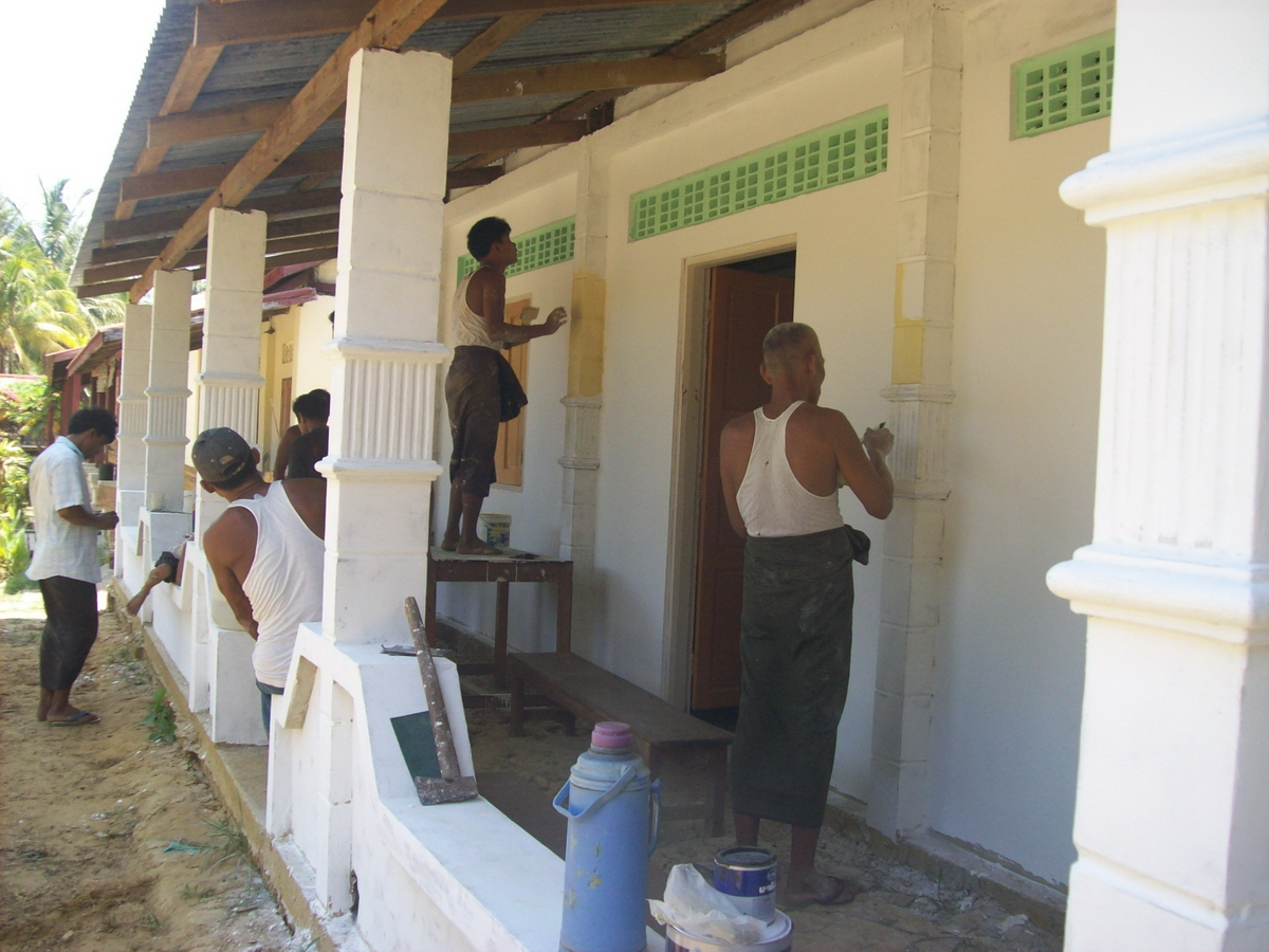 Build schools in Burma Myanmar - Building Jr High School in Kanyen Kwen - Ayerwaddy Division - 100schools, UK registered charity